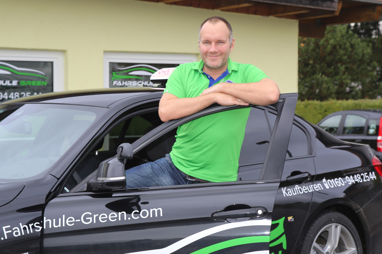 fahrschule-green-schwarz-fahrschulauto-tobias-fleisch-kaufbeuren-neugablonz