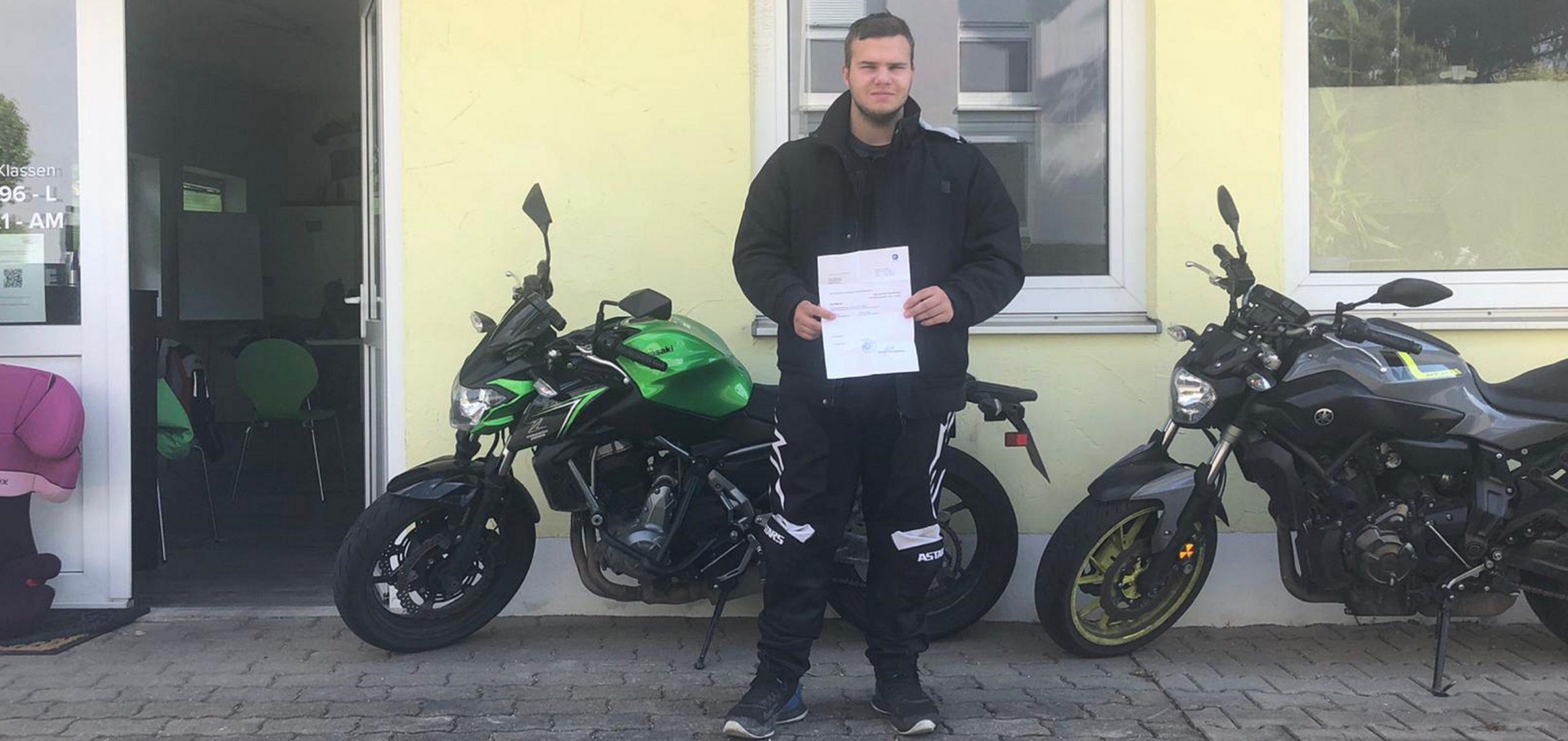 alexander-hermann-pruefungen-2021-fahrschule-green-kaufbeuren-neugablonz