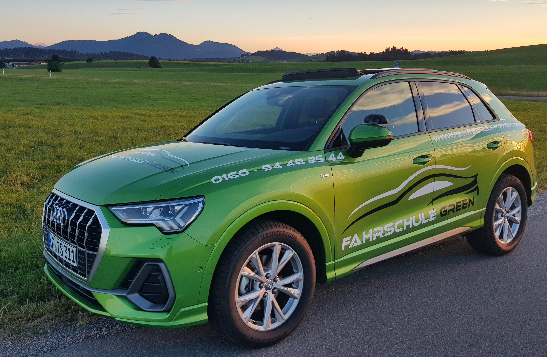 fahrschule-green-neuer-fahrschulwagen-audi-q3-kaufbeuren-neugablonz