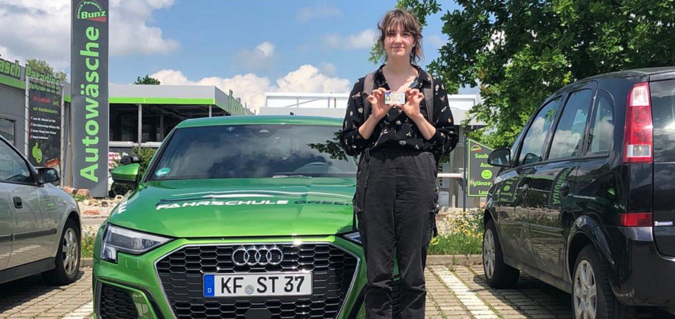 jana-wilhelm-pruefungen-2021-fahrschule-green-kaufbeuren-neugablonz
