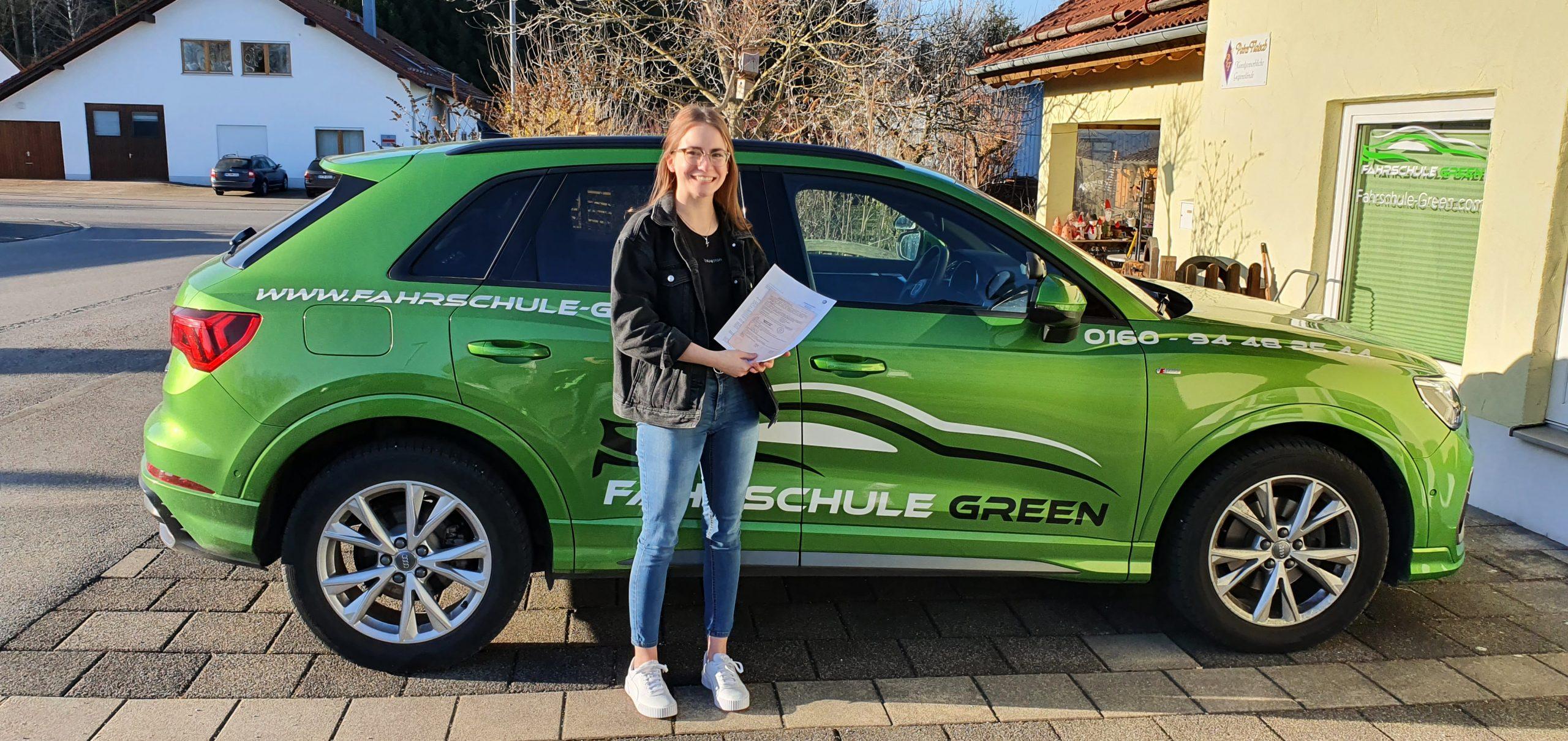 tabea-marie-leitl-pruefungen-2021-fahrschule-green-kaufbeuren-neugablonz